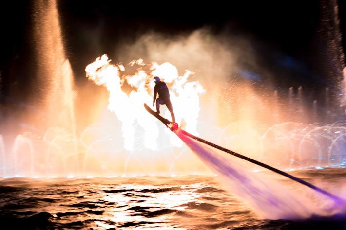 Chimelong-Ocean-Kingdom-Fireworks-Jetpacki